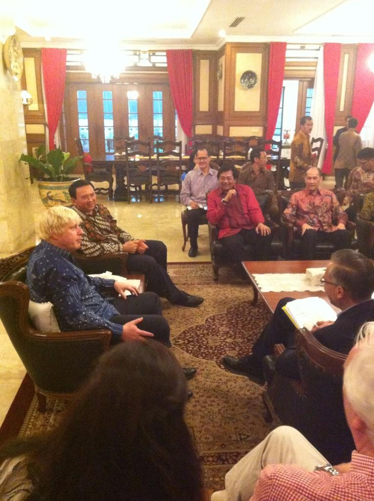 Held talks earlier with Governor Ahok, Basuki Tjahaja Purnama, the new Governor of Jakarta, at his home in the city http://t.co/c056NmIvdz