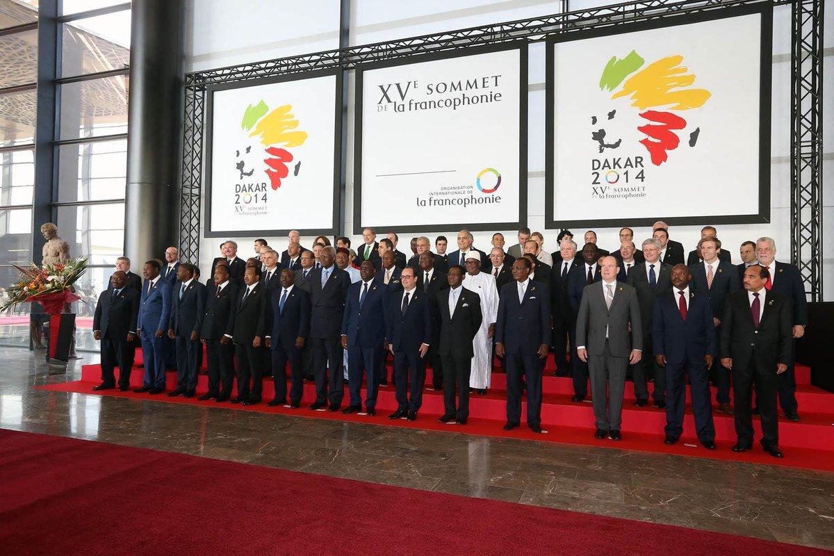 [PHOTOS] Le président @fhollande est à #Dakar pour le XVe sommet de la #Francophonie cc @OIFfrancophonie #SFDK2014 http://t.co/EpeqTu37LQ