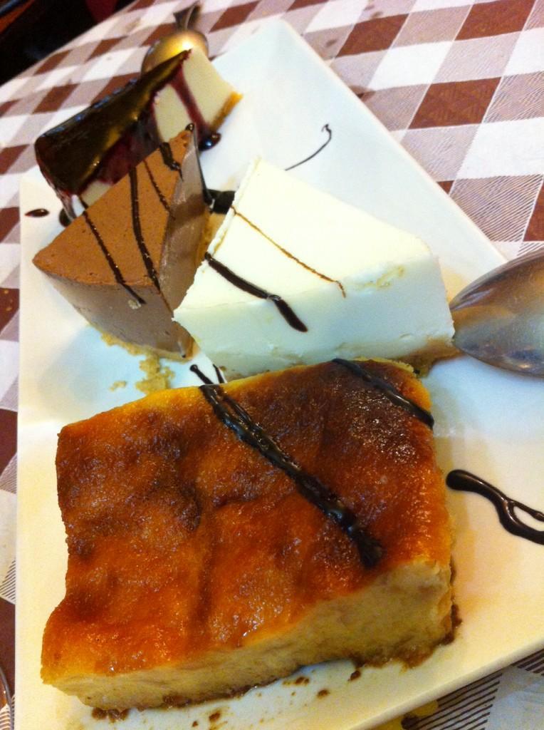 Y para terminar los postres!!!! GRACIAS a @los_callejones, conocido como el mejor restaurante de España!!!!! (; http://t.co/aizCge5WaP