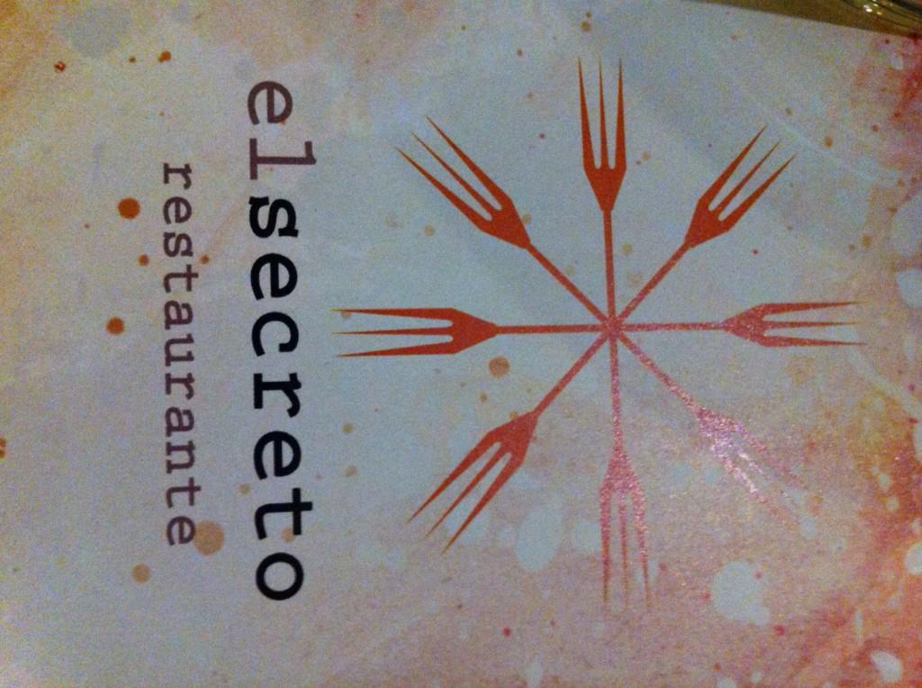 Aquí estoy cenando hoy. Cada vez q vengo a Cuenca, me gusta este restaurante. #cuencaenamora http://t.co/qEcqkyQWvU