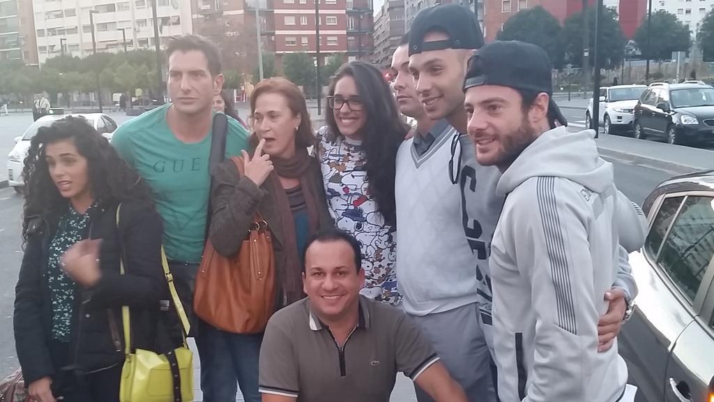 Fotos Quedada Noe y Aless Valencia 29 de noviembre de 2014 B3oGFPhIcAEDRuN