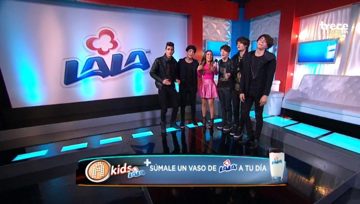 ¡Coders @somosCD9 le cantó a @torresmariana en el backstage! #AcademiaKidsCD9 http://t.co/bUu1OFbtvn http://t.co/SkMEDrlsSE