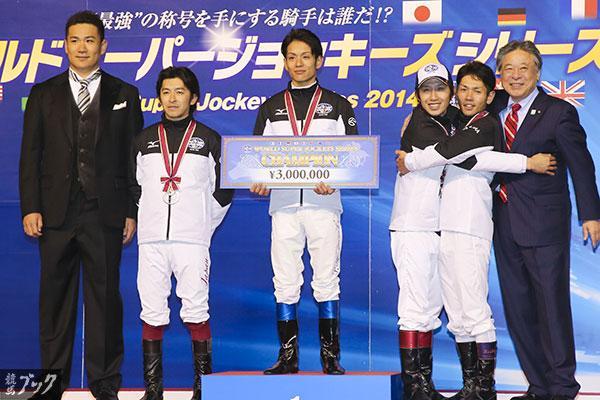 【今日のもう1枚】WSJSは浜中騎手が優勝! 東京競馬場で土日に渡って繰り広げられたワールドスーパージョッキーズシリーズは、浜中俊騎手が3度目の出場で初優勝を飾りました。2位は福永騎手、3位は田辺騎手と戸崎騎手が同点で並びました。