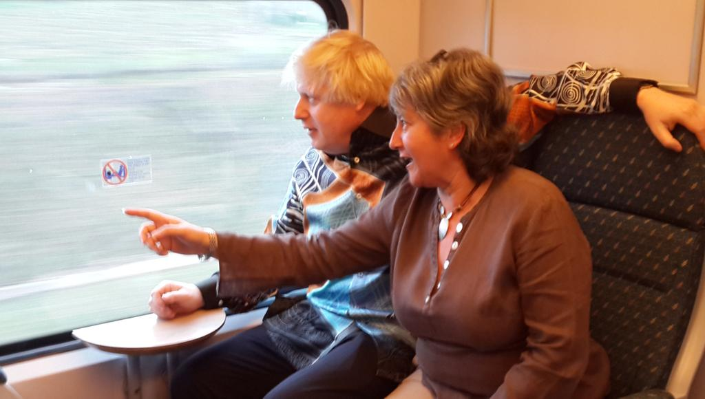 RT @UKinMalaysia: Our High Commissioner @VickiTreadell and @MayorofLondon Boris Johnson in the KLIA Express on the way to the city. http://…