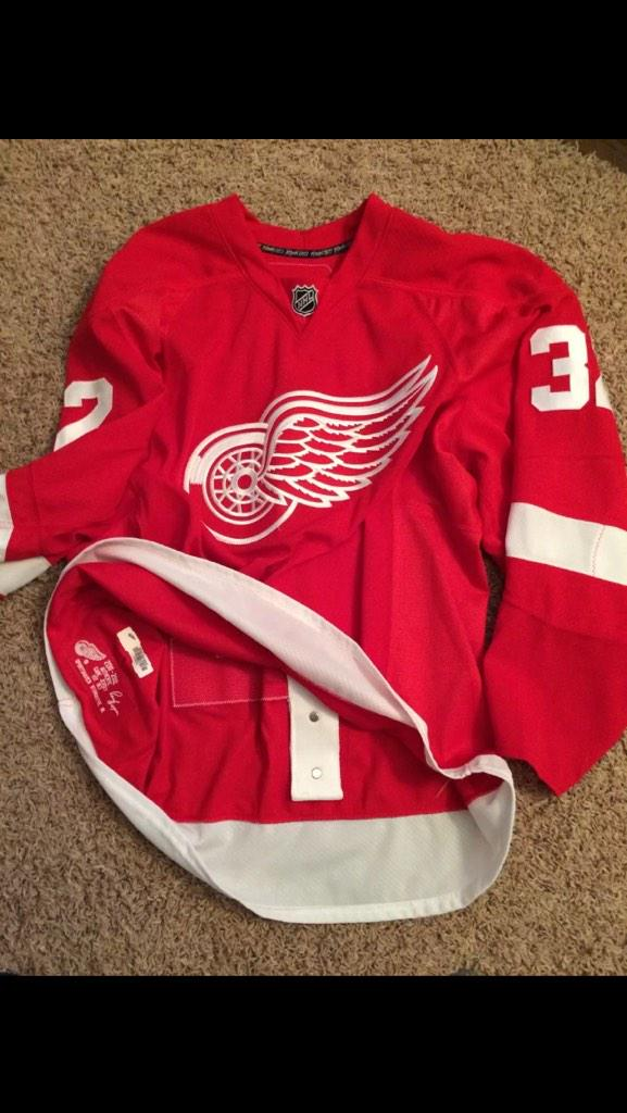 brand new 5d773 df567 Detroit Red Wings on Twitter:
