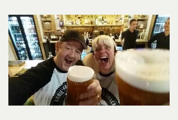 """Johnny Vegas on Twitter: """"""""@Nottingham_Post: .@JohnnyVegasReal popped into Annie's Burger Shack in Nottingham: http://t.co/Va1Yb0zBvs http://t.co/jmcPn0U3an"""" Love it!"""""""