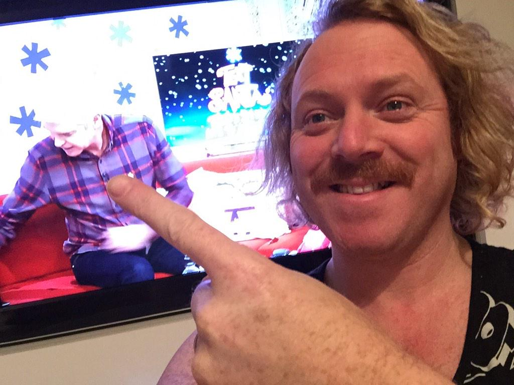 #Textsanta Why do I look more tired watching @Schofe on @ITVTextSanta than him doing it. 24hrs! What a legend http://t.co/3qK1Xxhmkh