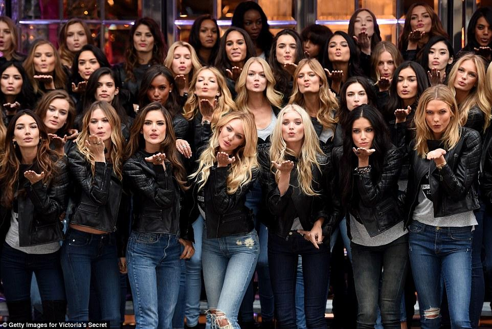 A casual monday morning in London! #VSFashionShow #VSFS2014 http://t.co/743thARrbZ