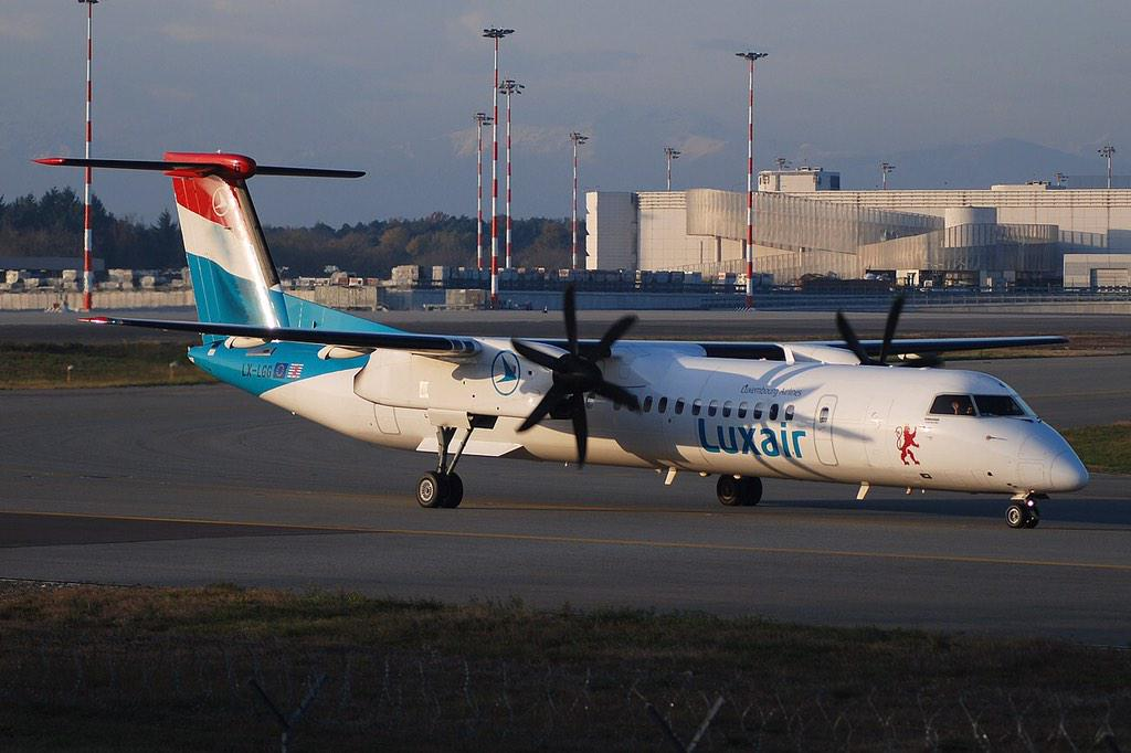 RT @PITISPOTTERCLUB: Milano Malpensa, reaching the holding position. @LuxairAirlines @luxairport avgeek http://t.co…
