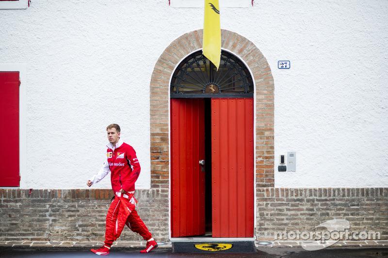 헐... #F1kr #TeamFerrari  http://t.co/j6nm69dNKd