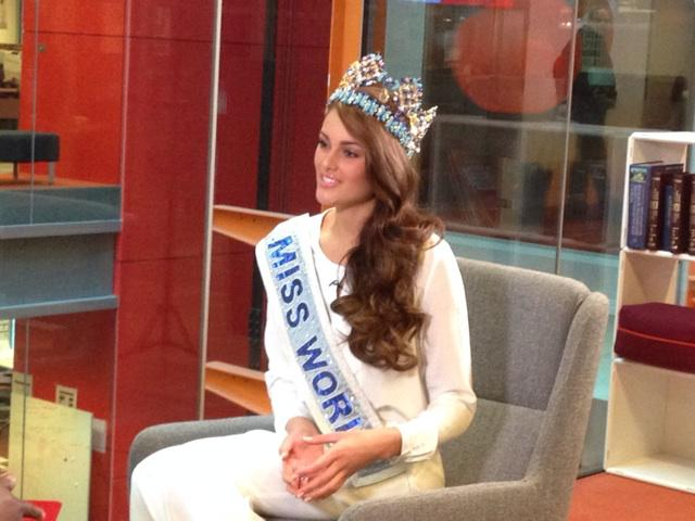 The Official Thread of Miss World 2014 ® Rolene Strauss- South Africa - Page 3 B4-xcW5IMAE-cpR