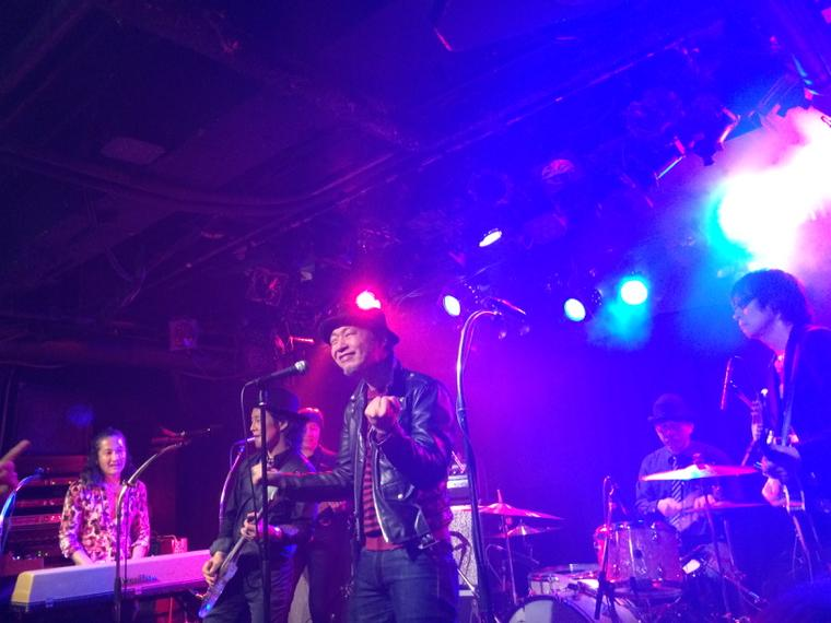 2014.12.12 THE PRIVATES なんとか全員写ってるのあった! http://t.co/21QEcfjtIP