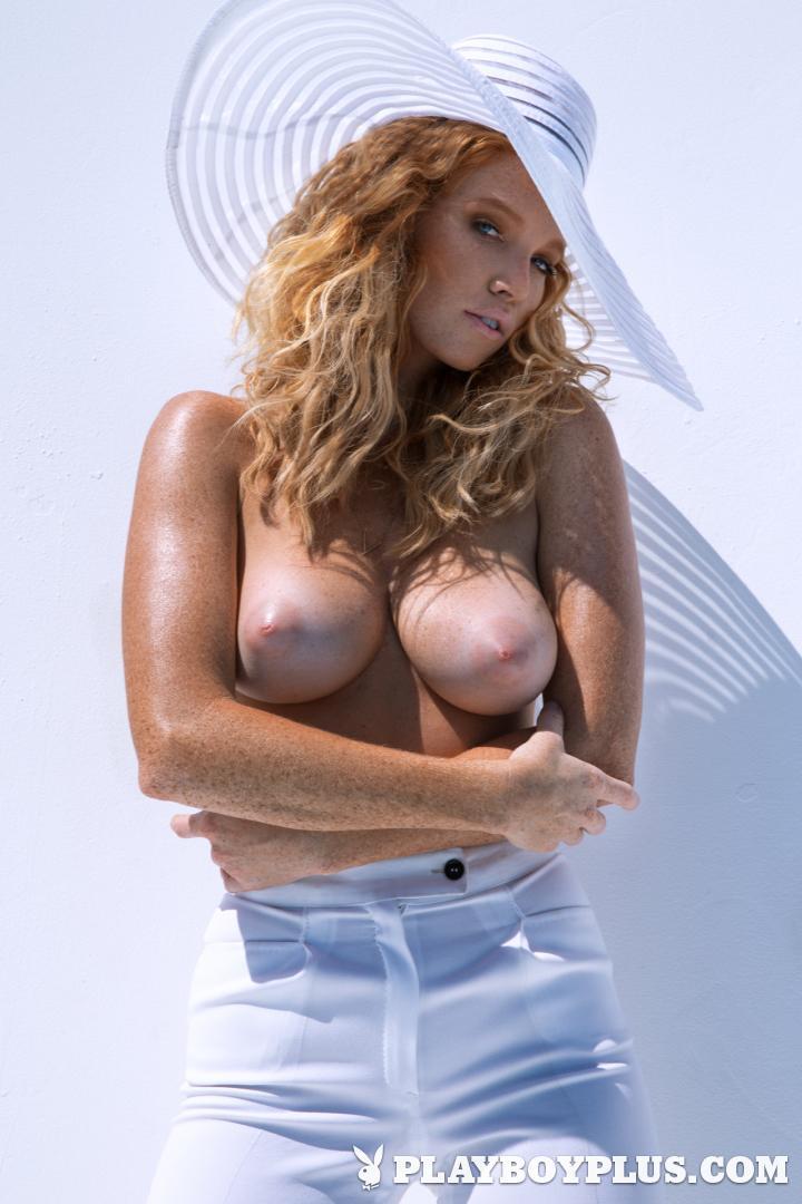busty ukrainian women naked