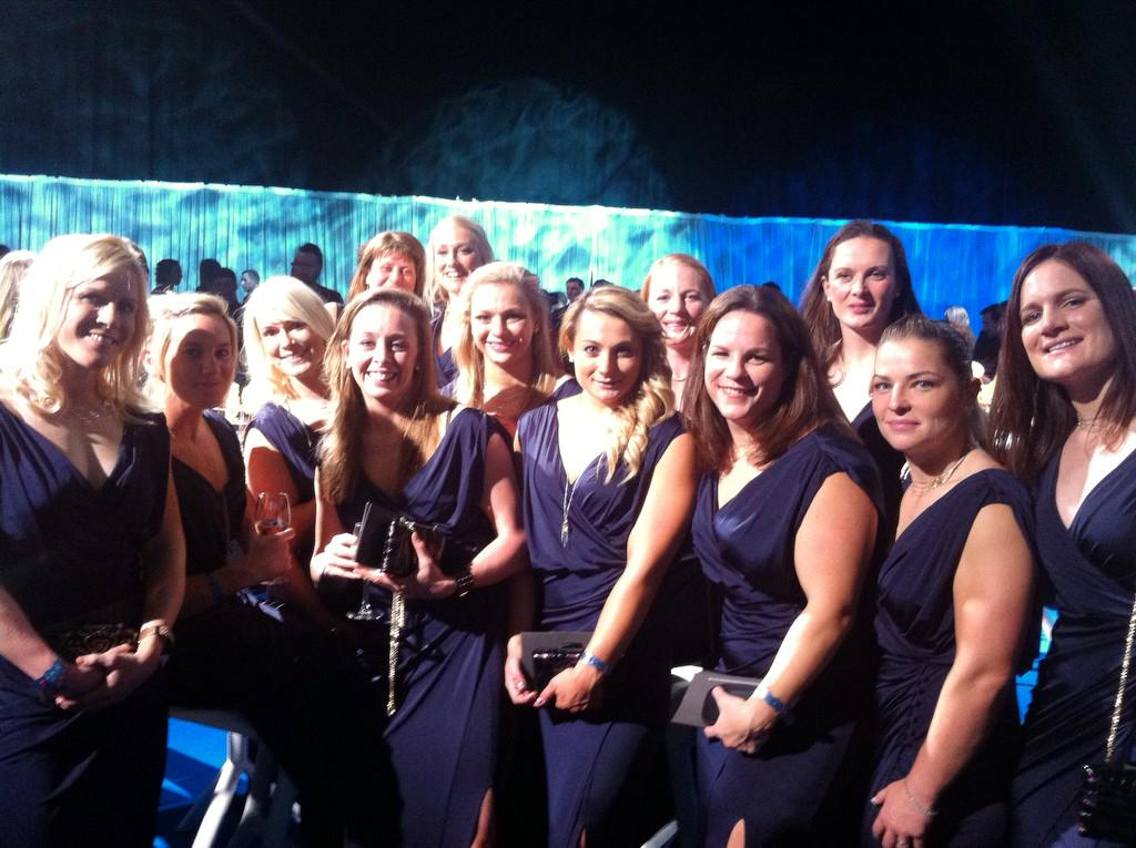 Here they are @englandrugby women at #BBCSPOTY looking gorgeous! Will they be Team of the Year?!?! Fingers crossed http://t.co/Qc2cq9hJcZ