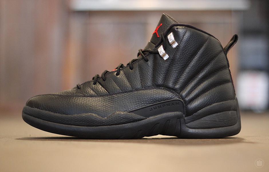 Jordan 12 Blackout