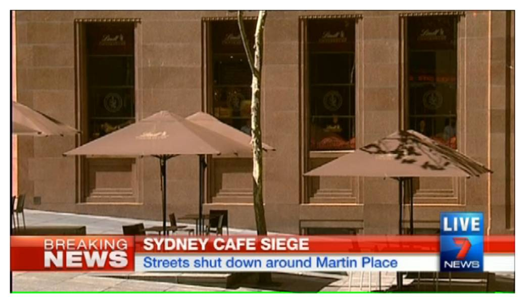 BREAKING NEWS - Hostages being held at Martin Place - Islamic State flag seen - LIVE STREAM - http://t.co/QfS4wOOGO7 http://t.co/WfVpyDM3Rs