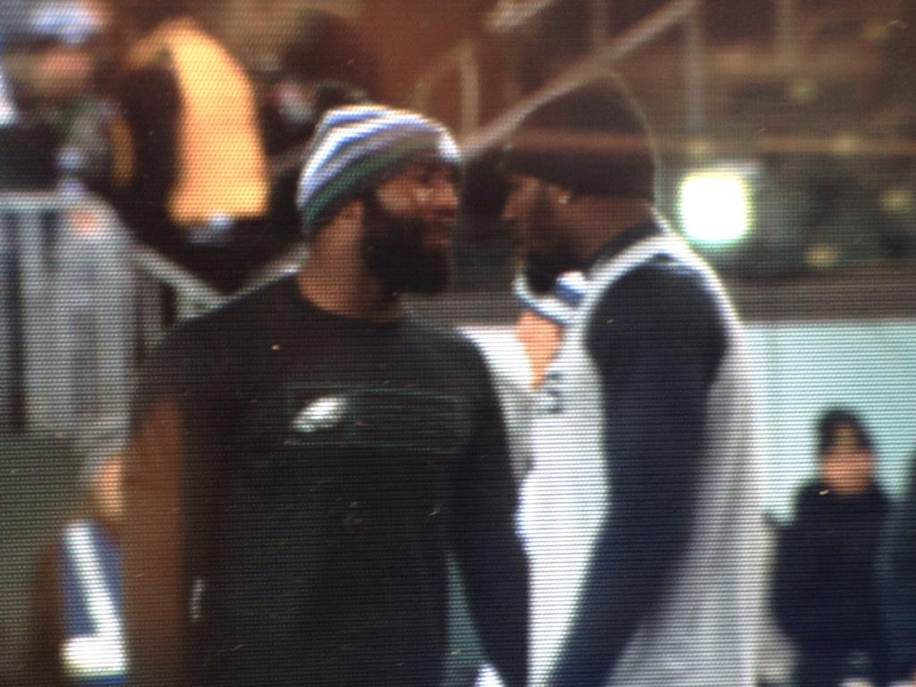 Malcolm Jenkins and Dez Bryant just got into it pregame jawing at each other. Its on!! http://t.co/L55RHSZgi2
