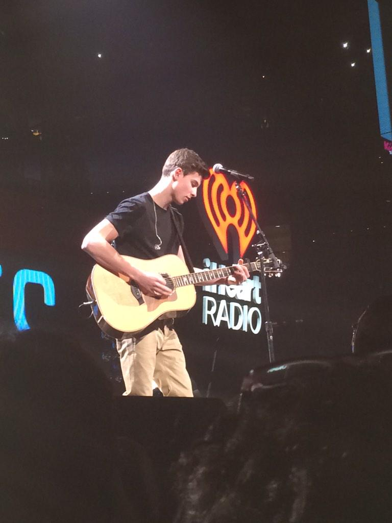 Everyone in here is about to faint for @ShawnMendes #Kiss108JingleBall http://t.co/cCBO002noz