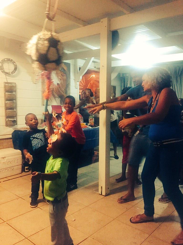 kalash on twitter de retour la maison aujourd 39 hui on a fete l anniversaire de mon fils. Black Bedroom Furniture Sets. Home Design Ideas