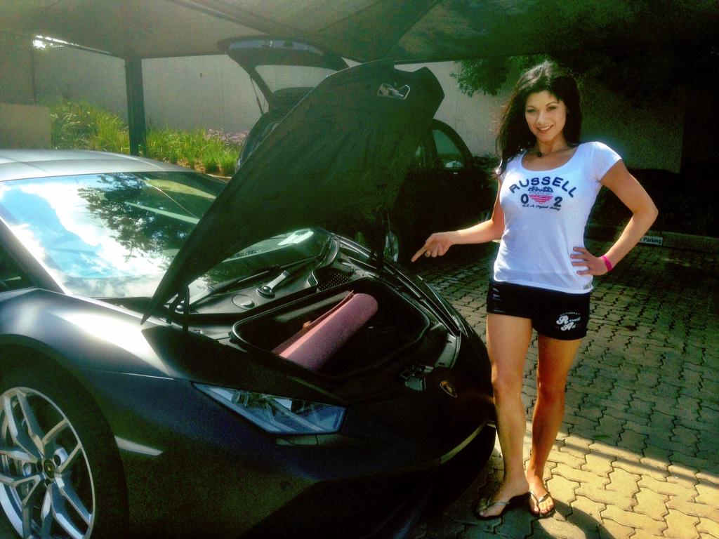 Thrilled to announce the @Lamborghini #Huracan has enough space in the hood for my #yoga mat :) http://t.co/ER0q940kad