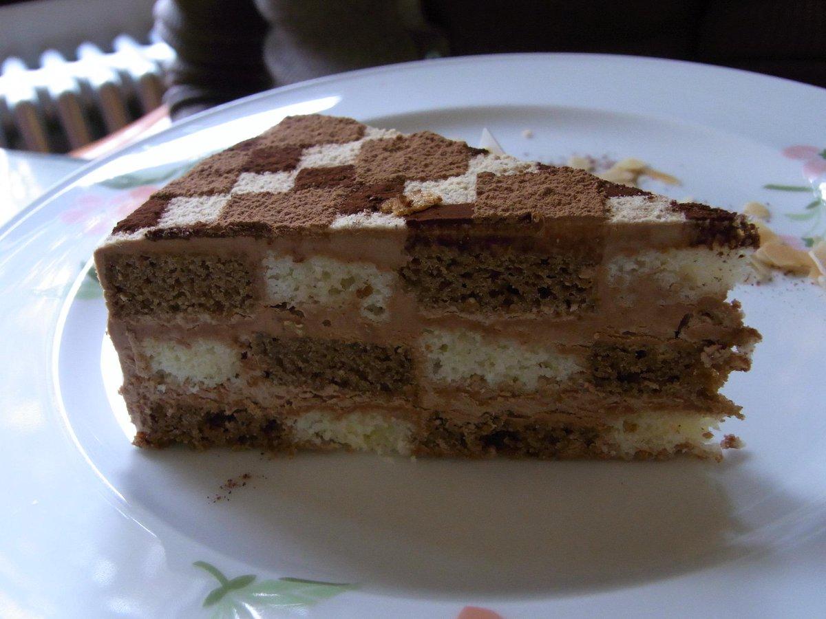 箱根冨士屋ホテルの寄木細工ケーキ。美味、美麗。 http://t.co/Q92BsPsegr