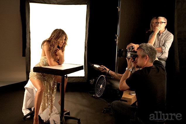 Jennifer posa para a Allure janeiro 2015.
