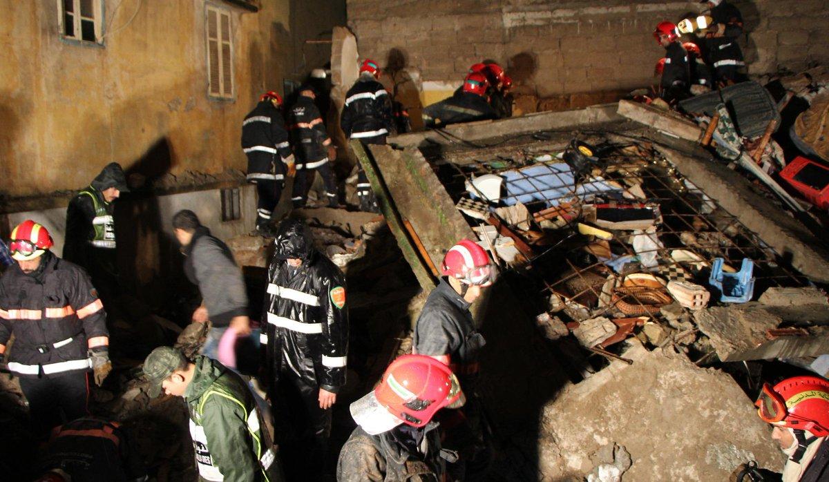 #Casablanca Désordre total lors du sauvetage après l'effondrement de trois maisons (vidéo) http://t.co/NZZiHh6bmQ http://t.co/CPrIDuFUUu