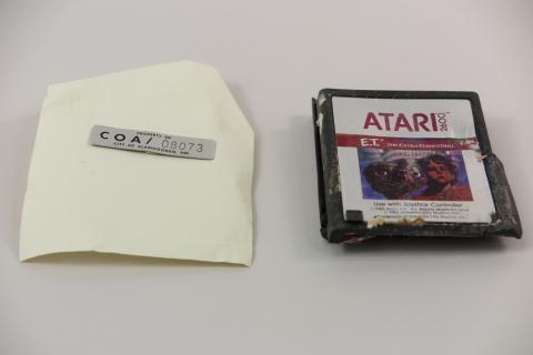 The Smithsonian Voluntarily Added One Of The New Mexico Atari 'E.T.' Cartridges To Its Collection