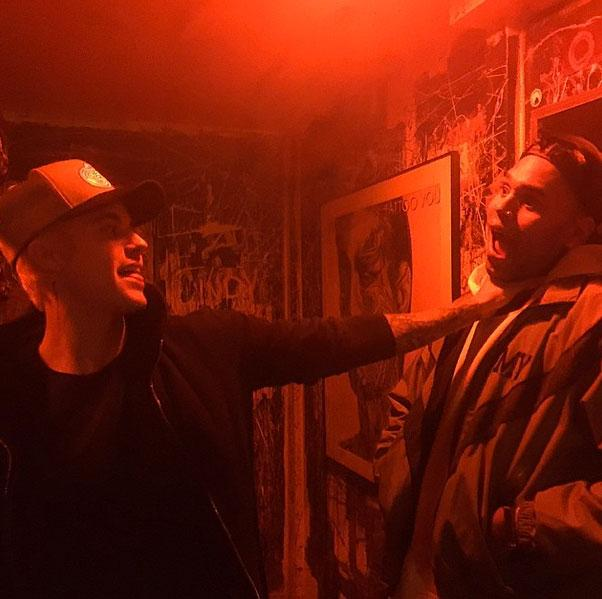 .@justinbieber and @chrisbrown hang with their hoes @haileybaldwin @KendallJenner http://t.co/yl3Y5zvxhq http://t.co/dWvX1xddgb