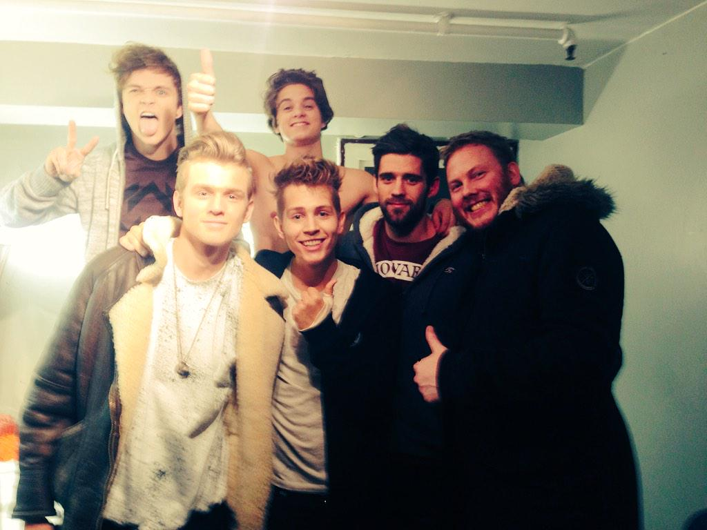 Team Vamps assembled for last time this year. Thanks to the fans, the boys & everyone involved. #BringOn2015 #Vamily http://t.co/jJnhvUsQHJ