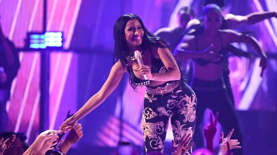 """Noticias RCN on Twitter: """"La cantante Nicki Minaj rompe el silencio y habla sobre su pasado en el nuevo sencillo. http://t.co/OILZIMPFWx ..."""
