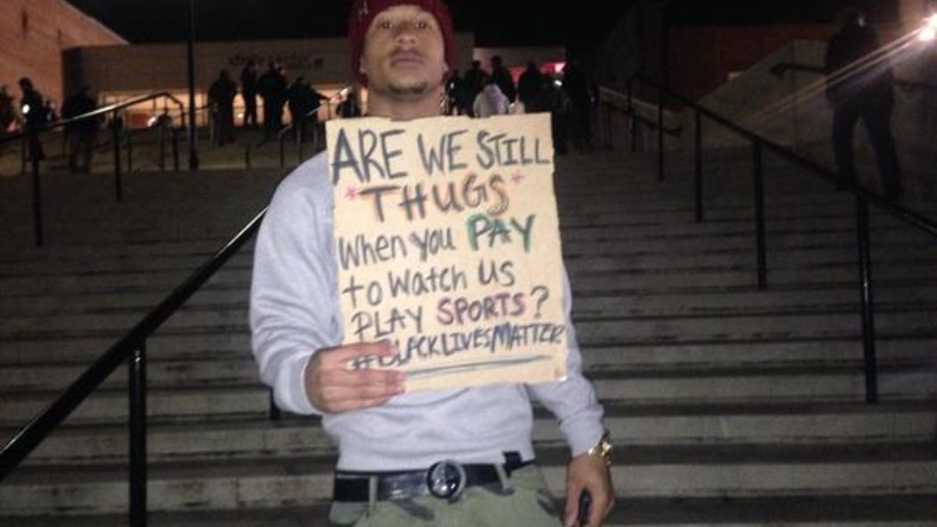 Maryland WR Deon Long joins protests outside Xfinity Center with poignant message. http://t.co/H4ZT0psD97 http://t.co/nw1vsnreMv