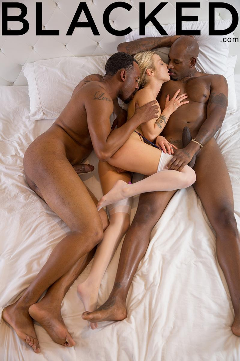 Trailer home threesome with ruby - 2 1