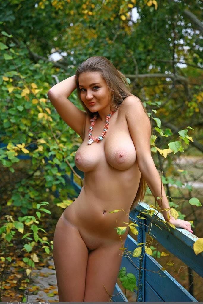 Фото пышногрудых голых женщин, массажист сделал оргазм клиентку