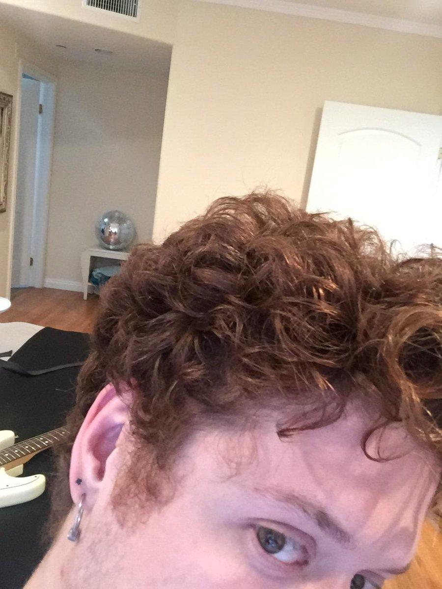 """@luke_brooks: #curlyhairproblems http://t.co/4qtX8mAmJ8"" yup http://t.co/oav9CuC9yk"