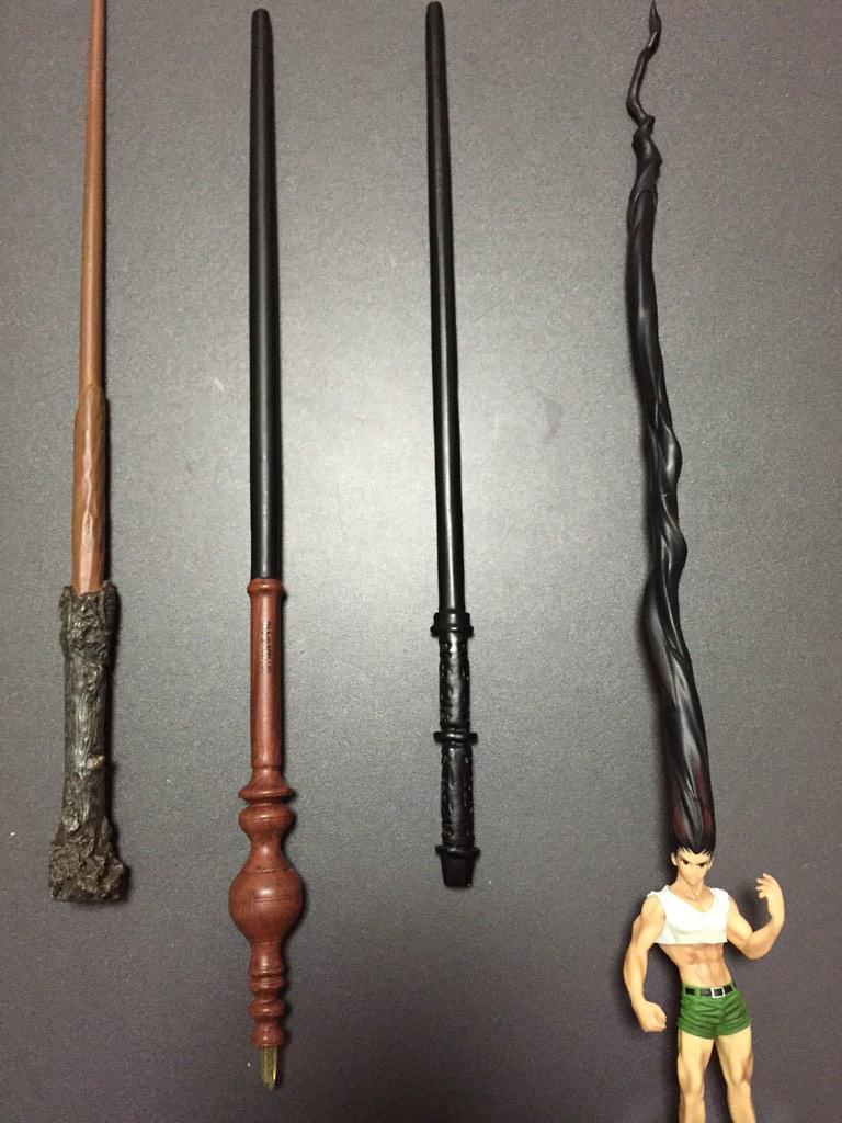 左からハリーの杖、マクゴナガル先生の杖、スネイプ先生の杖、ゴンさん pic.twitter.com/XoPDZjHGO4