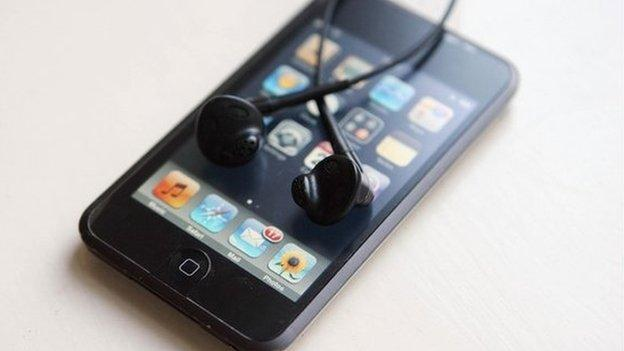 A court case challenging Apple's iPod DRM practices could collapse