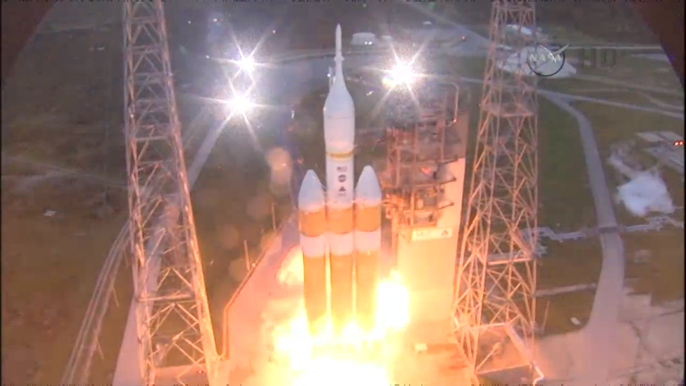 Wow the tower replay they just showed was cool #Orion #EFT1 http://t.co/xorsienyiS