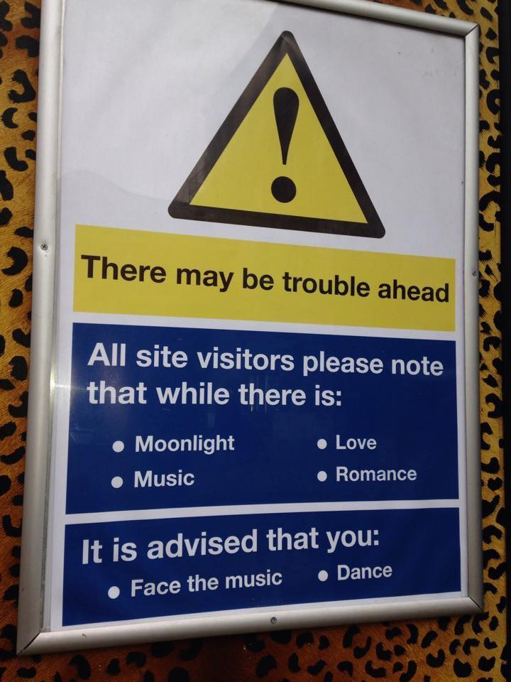 """This amuses more than it should. RT """"@davidgcant: SPOTTED! Perfect #healthandsafety advice! http://t.co/fiQMEYc2WA (via @SmileSussex) #signs"""