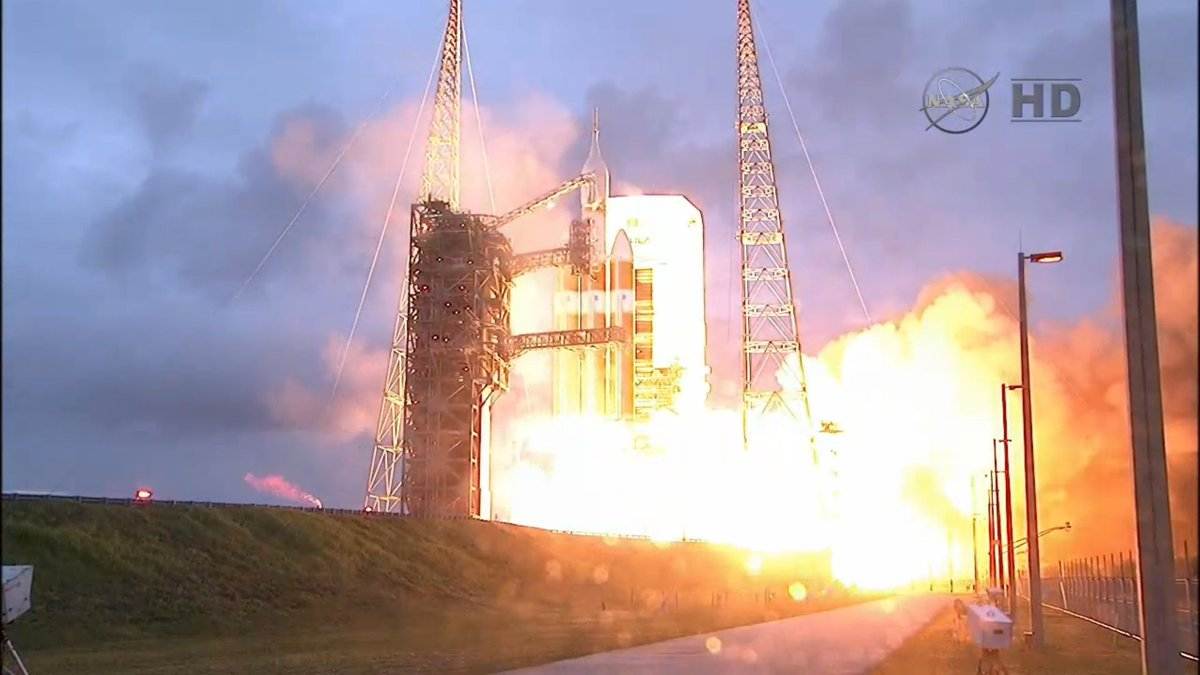 Liftoff !!! Go #Orion ! #EFT1 http://t.co/uH9itDk0v9