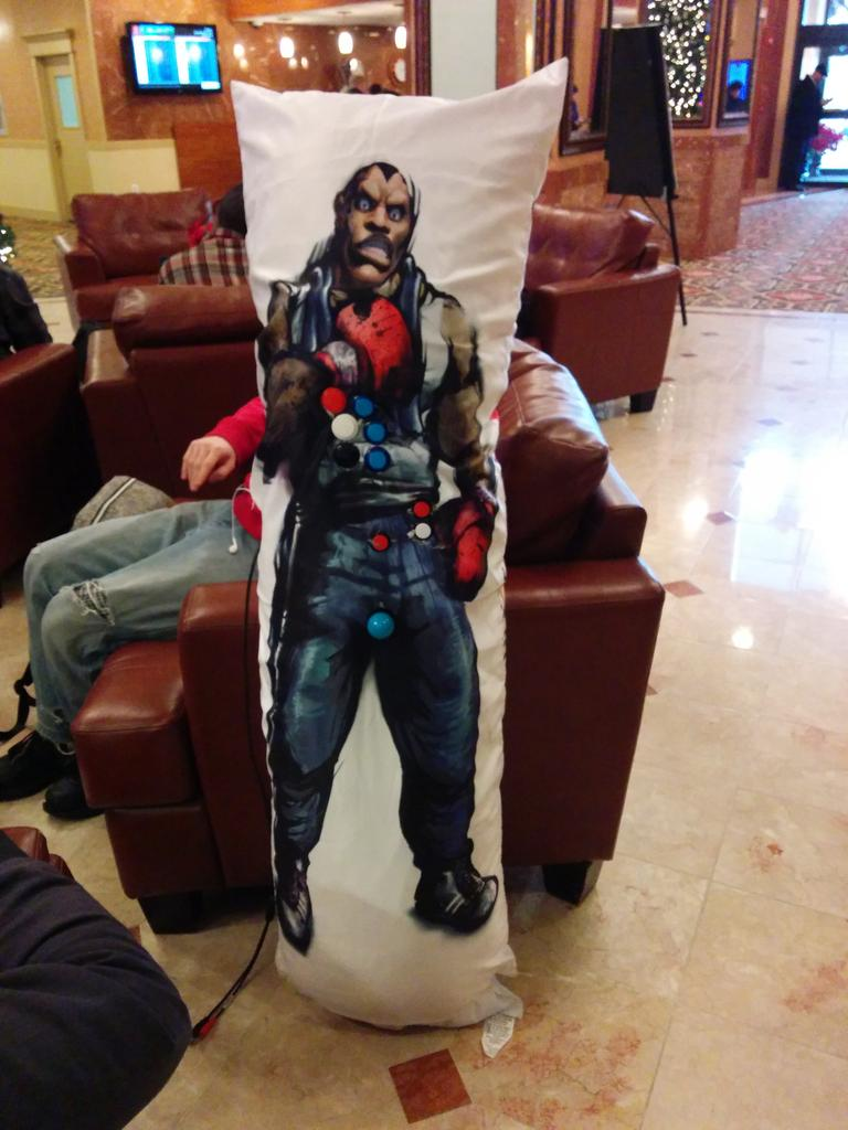 First thing I see in the hotel lobby is the stick of the year in the shape of a Balrog daki #NECXV http://t.co/jt7EEnFPek