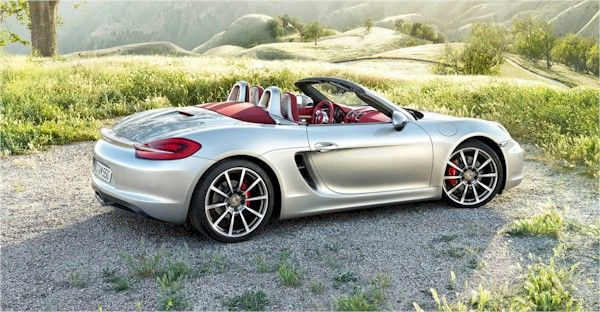 Auto: richiami di Porsche per i modelli sportivi Boxster, Cayman, 911 e 911 Turbo.
