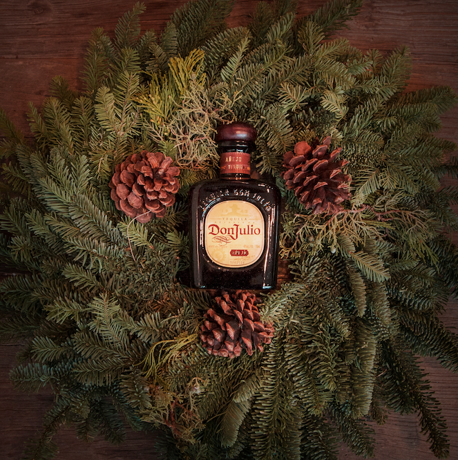 The perfect holiday gift in a bottle. #craft #findyourpassion #happyholidays http://t.co/Ihw78eMjhr