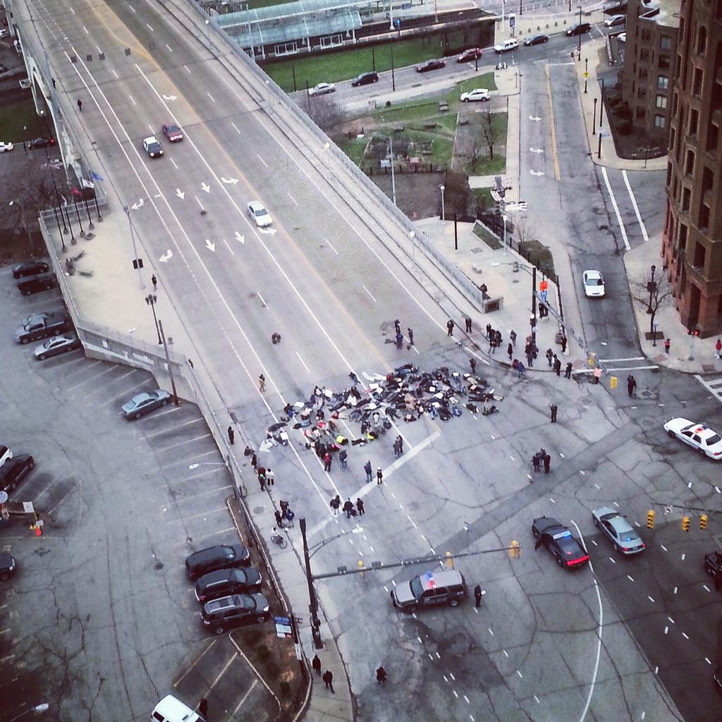 The Detroit-Superior bridge is temporarily out of order.  #ShutItDown http://t.co/ZG7ePShWet