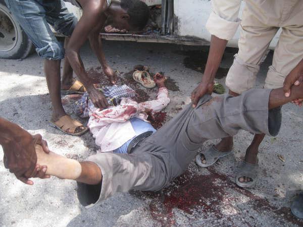 #SOMALIA: Nine killed, including three journalists by car Bomb in Baidoa Southwest Somalia http://t.co/TV9yopMMyW