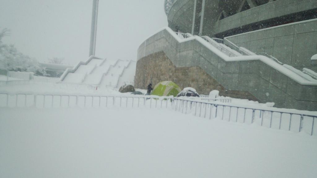 柏サポさんのテントです。中止!!!!と言われました pic.twitter.com/MljImBu9PA