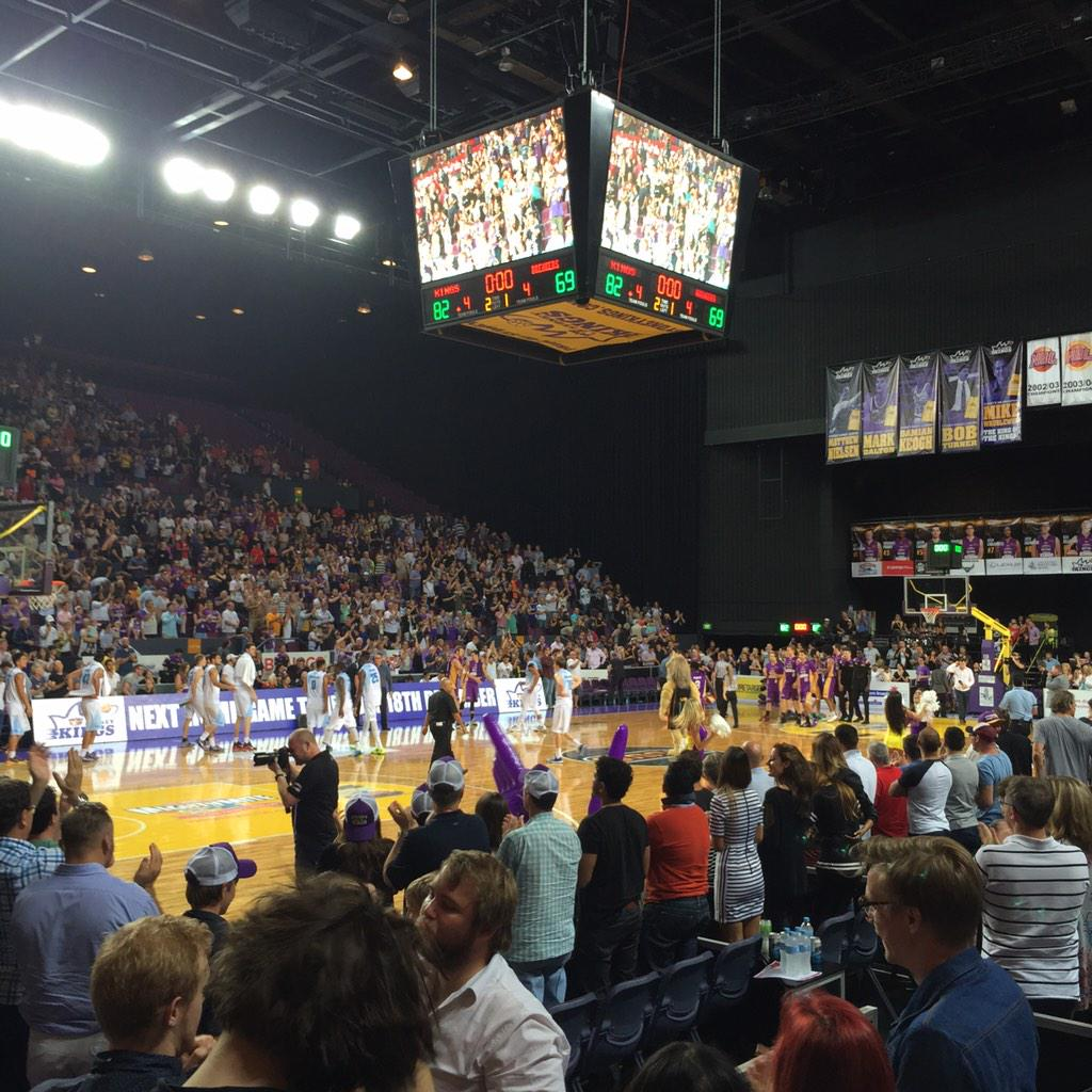 Great win for @SydneyKings tonight behind hot shooting @iMadgen01 & beastly @JChillin . Top work boys! http://t.co/i54e77ZvsV