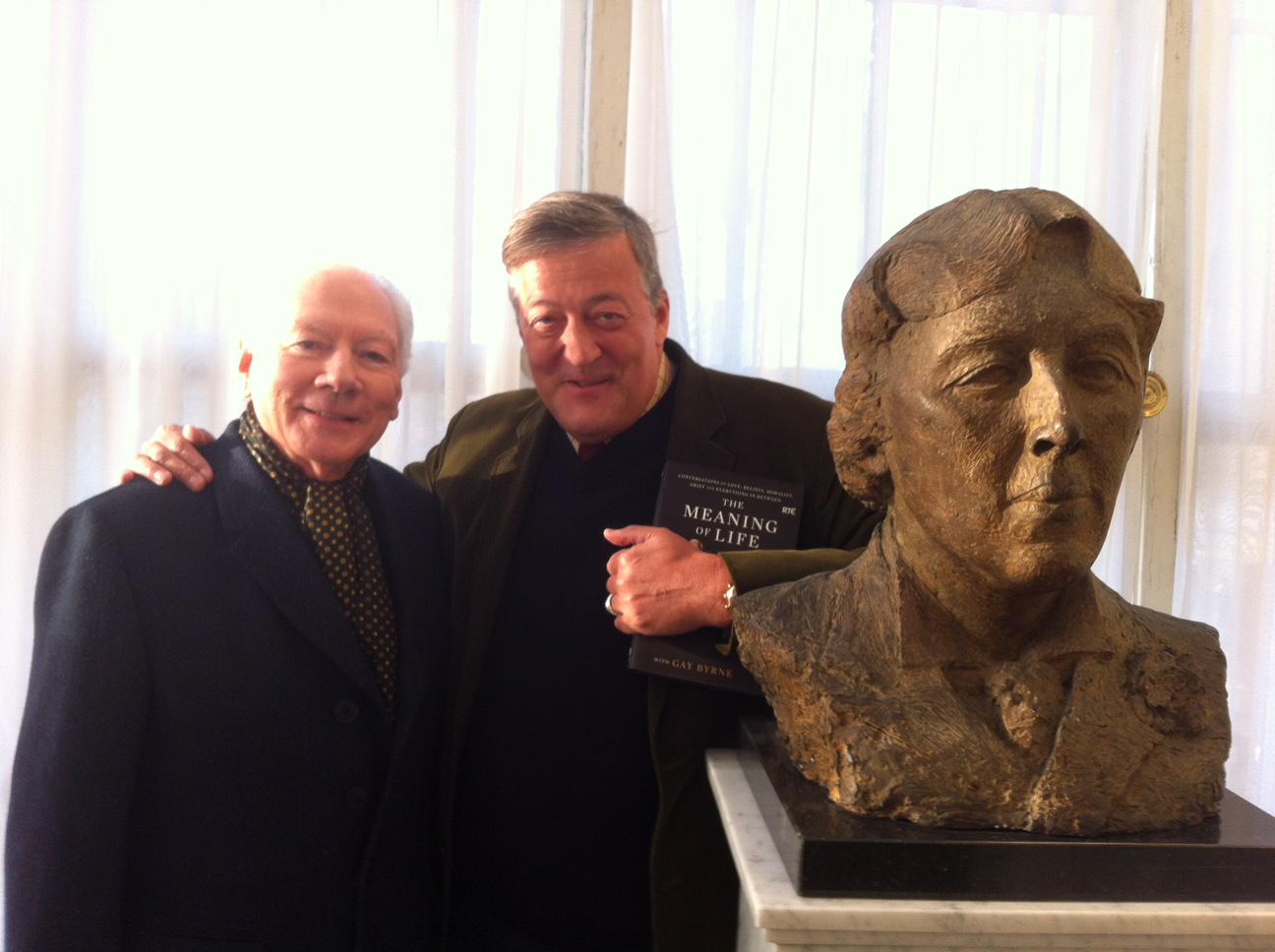 With Oscar & the eximious @Gay_Byrne - an Irish institution so important he should have railings put round him … http://t.co/DxYE6yFpdE