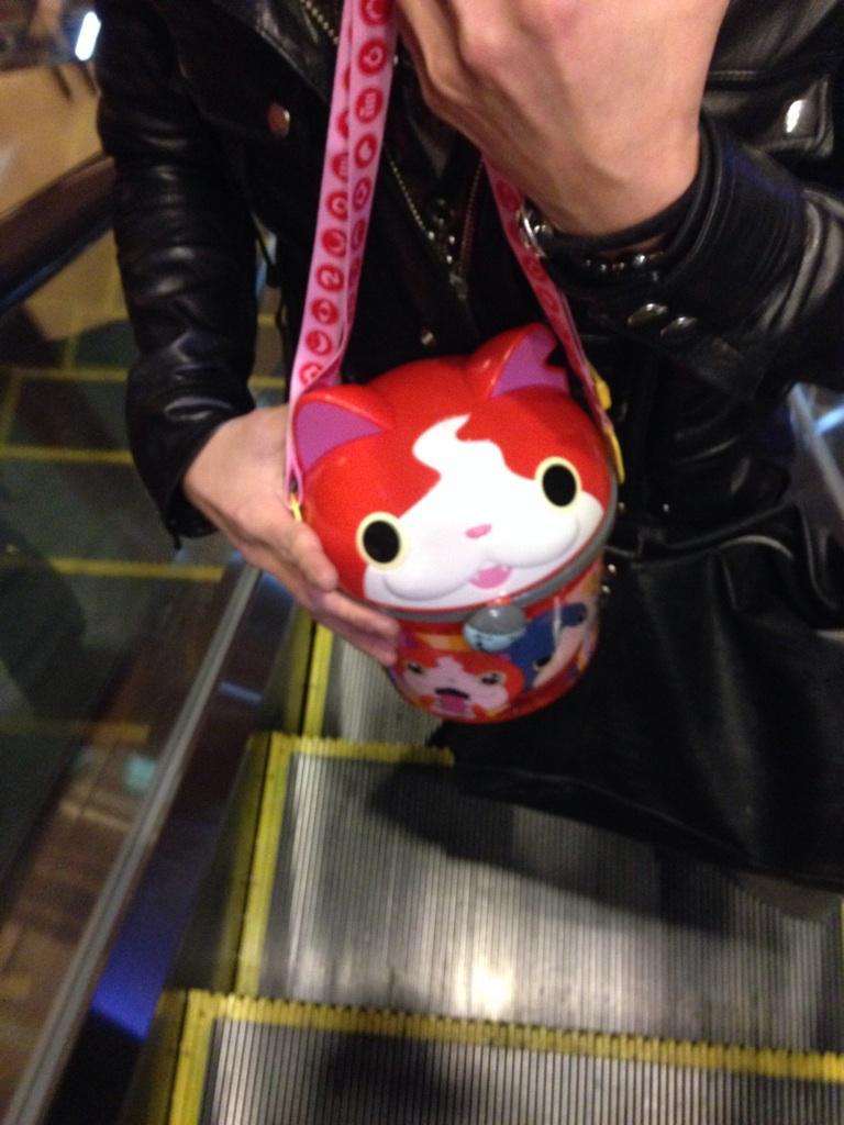 れかがジバニャンのポップコーン買ってた。笑 pic.twitter.com/e0roygJ1js