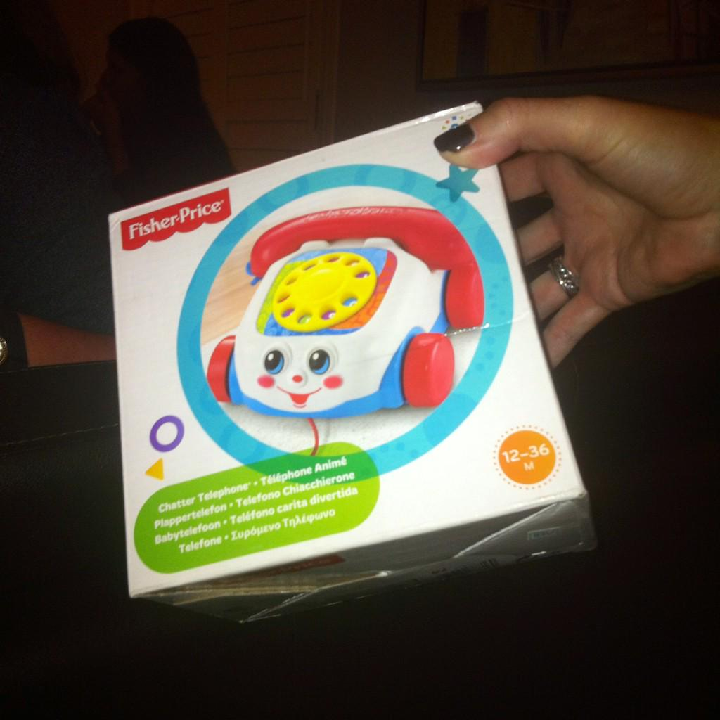 Who didn't have a @fisherprice Chatter Phone growing up? Good score @SassyModernMom! #FPShowroom http://t.co/HDwnZGr9Ay